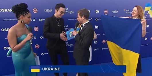 «А в Российской Федерации слабо?»: Ани Лорак неожиданно спела легендарный украинский хит